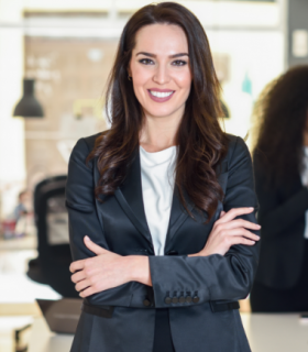 businesswoman-leader-in-modern-office-with-busines-F5UTRK7.png